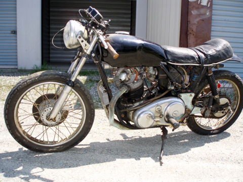Buy restored classic British motorcycles, sell restoring vintage motorcycles, buy classic motorcycle parts & accessories, Triumph motorcycles, classic Harley Davidsons, BSA motorcycles, Norton motorcycles, BMW motorcycles, pre-1975 Honda motorcycles